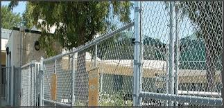 Simple Ideas To Renovate Your Chain Link Fence Chain Link Fence Chain Link Chain Fence