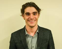 Never quit': 'Breaking Bad' star RJ Mitte talks cerebral palsy, making an  impact · The Badger Herald