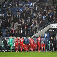 Bundesliga, striscioni dei tifosi del Bayern contro il presidente ...