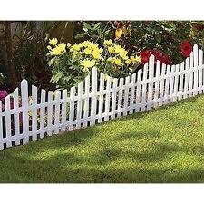 24pcs White Flexible Plastic Garden Picket Fence Lawn Grass Edge Edging Border 24pcs Border Edge Edgi In 2020 Plastic Garden Fencing Lawn Edging Garden Fencing