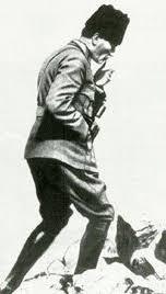 ataturk kocatepede ile ilgili görsel sonucu | Kara kalem portre, Resim, Şiir
