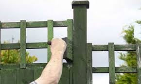 Couple Painting Fence Fined 80 For Criminal Damage After Flecks Ended Up On Neighbours Side Daily Mail Online