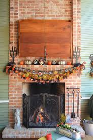 decorations fireplace and mantel