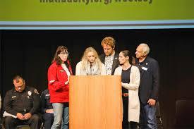 Next steps, more outlined at Malibu evacuee meeting | Malibu Surfside News