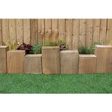 Staggered Sleeper Border Edging 300 X 600mm Wickes Co Uk