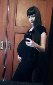 """Wednesday Mourning on Twitter: """"A recent pregnant selfie - I'm due in  mid-September. 1 month to go! Thanks for everyone's sweet messages and  support! http://t.co/K9k78sxHpB"""""""