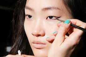 5 easy eye makeup tricks every woman