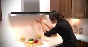 Mẹo vệ sinh máy hút mùi kiểu Nhật bằng baking soda sạch như mới