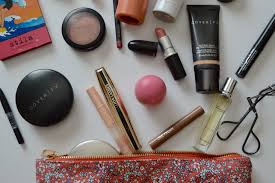 what s in my makeup bag holly bowman xo