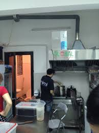 Máy ozone công nghiệp khử mùi khói bếp nhà hàng bằng cách nào?