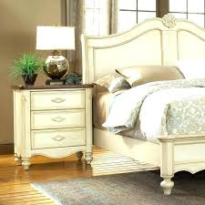 bedroom furniture colors what go with