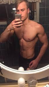 body like a male fitness model