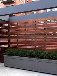 gardens is presenting horizontal fences