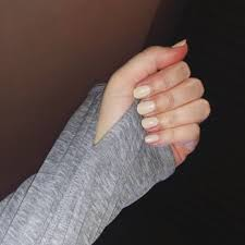 sac gel color 185 on natural nail