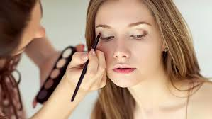 how much to tip makeup artist for trial