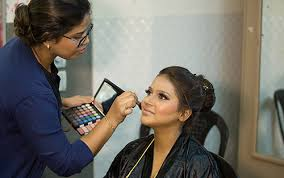 professional makeup artist courses in