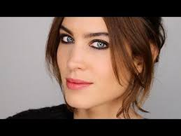 face makeup and chat with alexa chung
