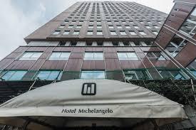 Il Comune requisisce l'hotel: 300 posti per le quarantene ...