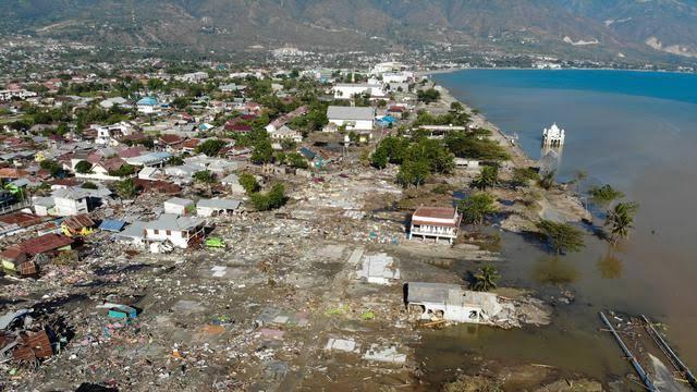Hilang Di Tengah Tsunami Palu, Kedua Orang Tuanya Masih Menunggu