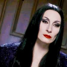 Psychology of Inspirational Women: Morticia Addams | The Mary Sue