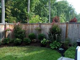 Simple And Easy Backyard Landscaping Ideas 17 Easy Backyard Landscaping Easy Backyard Landscaping Along Fence