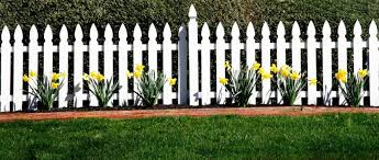 26 White Picket Fence Ideas And Designs Fence Art Fence Design White Picket Fence
