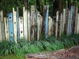 14 Diy Wood Pallet Fence Ideas Interior Design Blogs