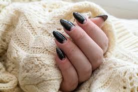 Paznokcie Na Wiosne Galaktyczny Wezowy Lub Lustrzany Manicure