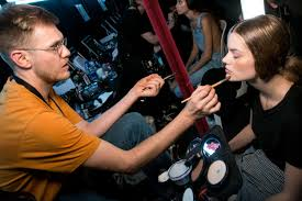 makeup artist thomas de kluyver is