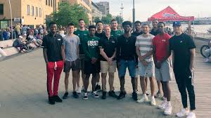 """Green Bay Basketball on Twitter: """"The team had a blast spending some time  @DowntownGB for the first Fridays on the Fox of the summer! #uwgb… """""""