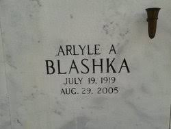 Arlyle Adeline Phillips Blashka (1919-2005) - Find A Grave Memorial