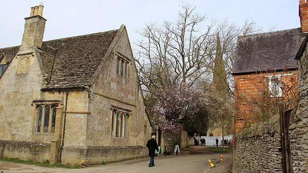 """Resultado de imagem para Bampton, Oxfordshire, Inglaterra downtown abbey"""""""