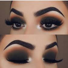 dark smokey eye makeup cat eye makeup