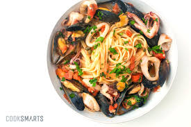 Italian Seafood Pasta with Mussels and ...