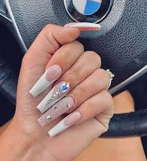 23 white tip nails that will never go