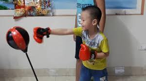 Bé Bin trải nghiệm với đồ chơi đấm bốc, Boxing. Hello Bin ♥ - YouTube