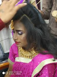 sus beauty parlours in pune justdial