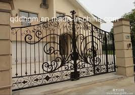China Luxury Custom Galvanized Steel Metal Driveway Fence Gate Photos Pictures Made In China Com
