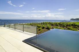 Architectural Glass Fencing For Infinity Pool At Beach Home 106443 Design Ideas Pictures