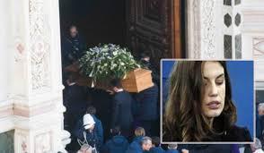 Francesca Fioretti sconvolta ai funerali di Davide Astori, le ...