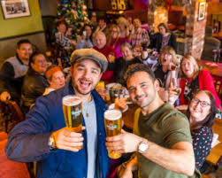 TV STARS RYAN AND ADAM THOMAS JOIN FORCES TO BREW SOME GOOD CHEER ...