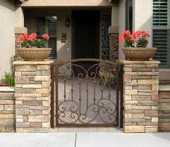 Front Yard Landscaping Idea Front Yard Patio Front Courtyard Yard Gate