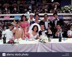 Meine Familie Verrueckte - ma famille mi familia c. hinten L, Constance  Marie, Benito Martinez, Jenny Gago, Eduardo Lopez Banque D'Images, Photo  Stock: 52907162 - Alamy