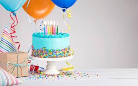 تحميل خلفيات عيد ميلاد 4k كعكة عيد ميلاد البالونات الهدايا