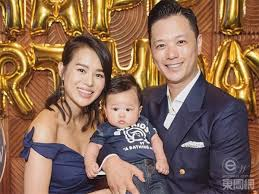 """Philip Lee treats Myolie Wu as an """"Empress""""; She says it is not bad 