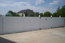 How To Clean Your Vinyl Fence Freedom Fence Deck