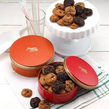 round cookie tin 140g famous amos