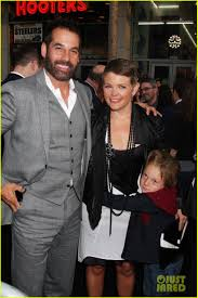 Dixie Chicks' Natalie Maines Files for Divorce from Adrian Pasdar ...