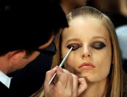 follow makeup artists to the fashion weeks