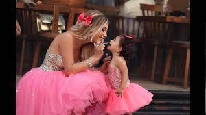 صور بنات مع امهاتهم